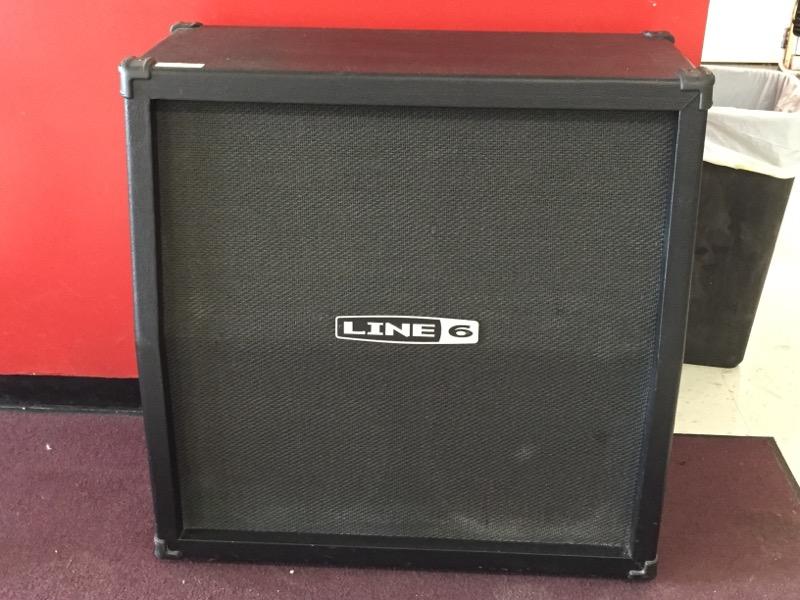 Line 6 Spider 412 Angled Guitar Speaker Cabinet 4x12 Inch 320 Watts