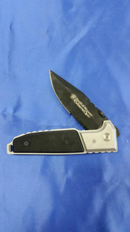 SMITH & WESSON Pocket Knife EXTREME OPS