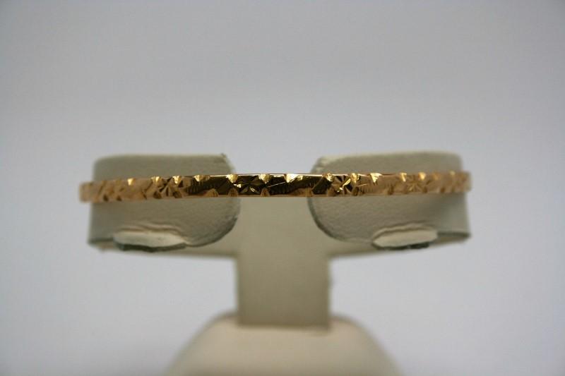 BANGLE FANCY DESIGN 18K YELLO GOLD
