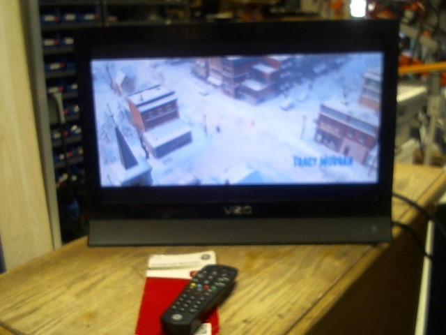 """VIZIO 19"""" Flat Screen TV Television E190VA"""