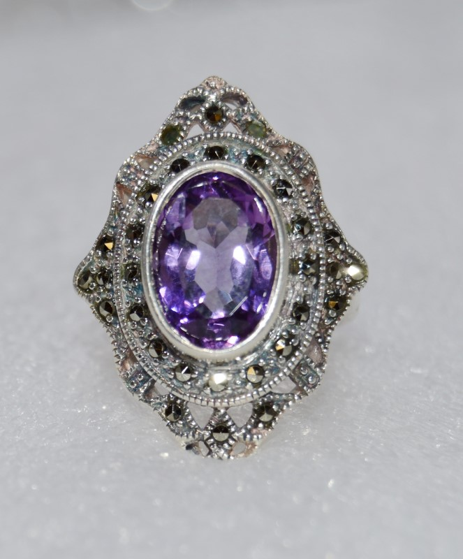 Oval Amethyst & Marcasite Vintage Inspired Sterling Silver Ring sz 7