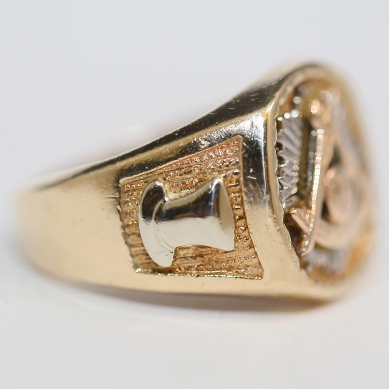 Masonic 10K Yellow Gold Ring Size 9.5