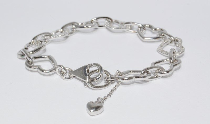 "7"" Sterling Silver Polished Diamond Accent Heart Silouhette Cutout Link Bracelet"