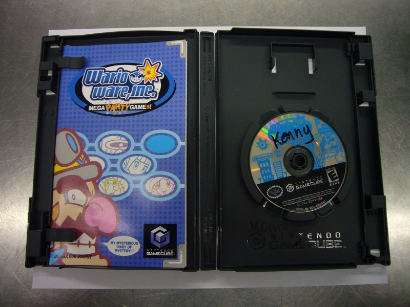 NINTENDO GameCube Game WARIO WARE INC