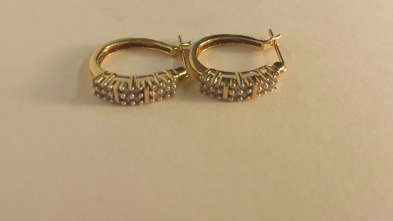 10K-Y/G 32-Round Diamond Earrings