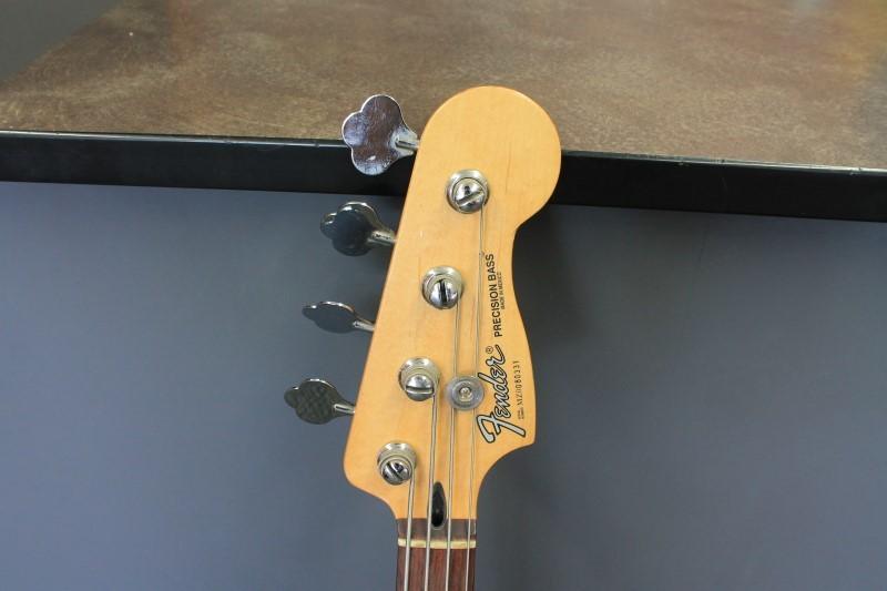 FENDER Bass Guitar PRECISION BASS-MEXICO