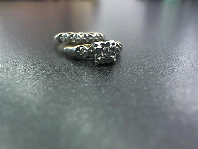 Lady's Diamond Wedding Set 7 Diamonds .22 Carat T.W. 14K 2 Tone Gold 4g