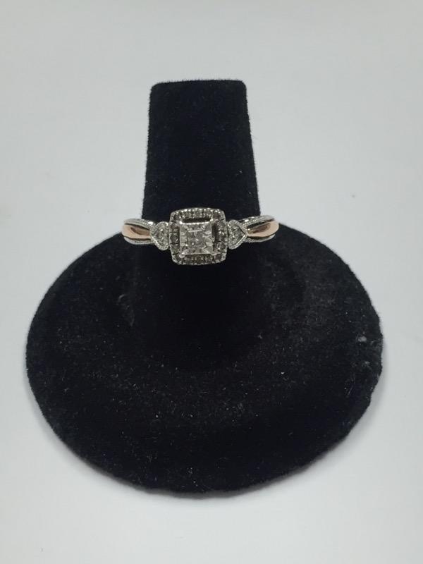 Lady's Silver-Diamond Ring 19 Diamonds .150 Carat T.W. 925 Silver 2.3dwt