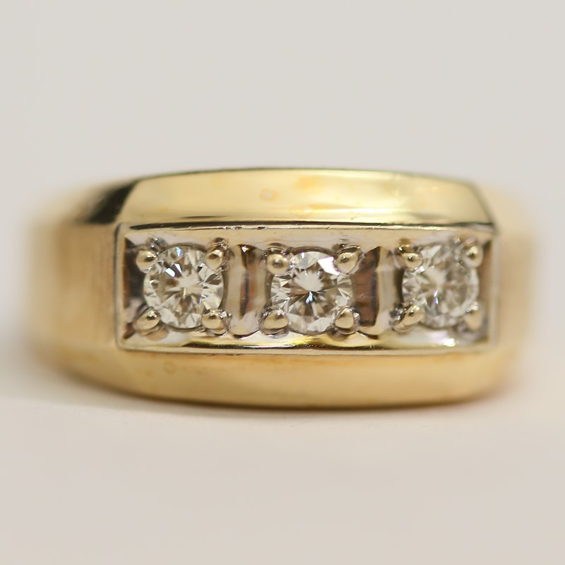 14K Yellow Gold 3 Round Brilliant Diamond Channel Set Ring Size 10.5