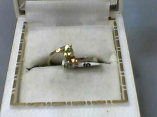 Peridot Lady's Stone Ring 10K Yellow Gold 1dwt Size:6