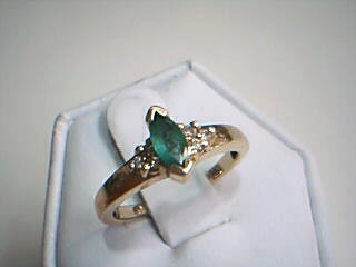 Synthetic Agate Lady's Stone & Diamond Ring 6 Diamonds .12 Carat T.W.