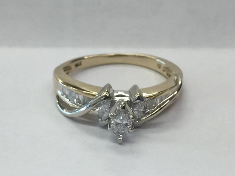 DIAMOND Lady's Diamond Engagement Ring .15CNT_12BG_3MAR_APX.50C