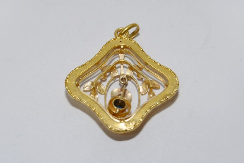 Blue Stone Gold-Stone Pendant 14K Yellow Gold Fall