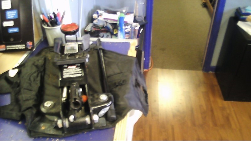 PRO-LIFT Miscellaneous Tool 2 TON FLOOR JACK