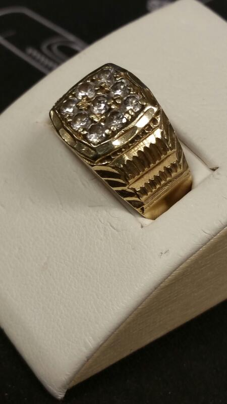 Gent's Gold Ring 10K Yellow Gold 3.7dwt Size:8