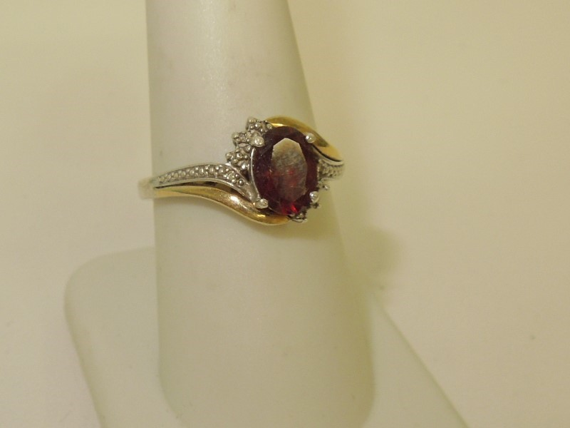 Synthetic Almandite Garnet Lady's Silver & Stone Ring 925 Silver 2.5g