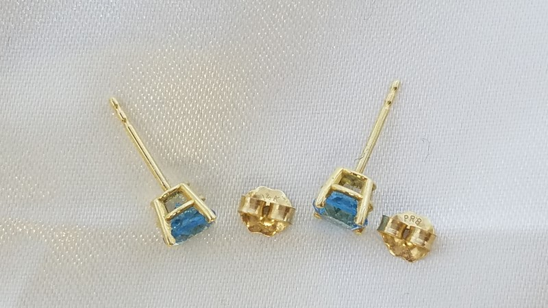 Studs Synthetic Blue Topaz Gold-Stone Earrings 14K Yellow Gold 1g
