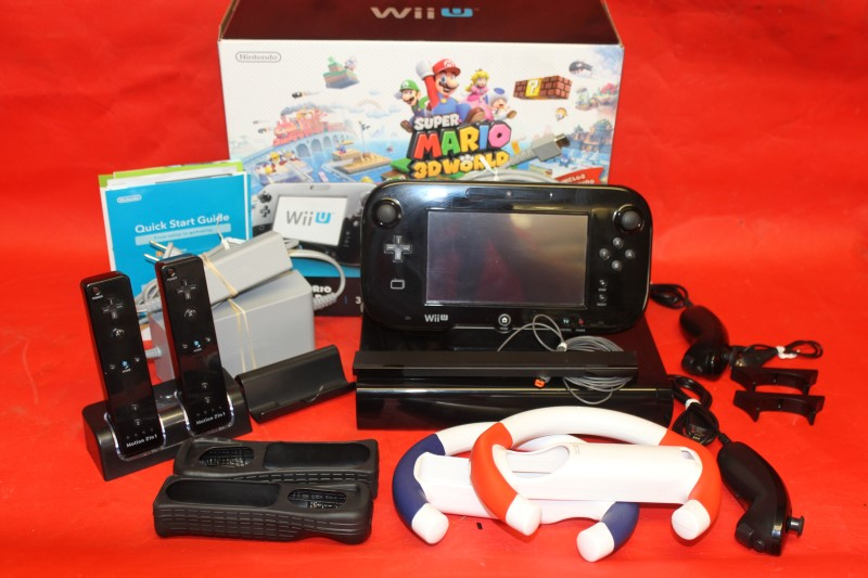 Nintendo Wii U Super Mario 3D World Deluxe Set 32 GB with Extras