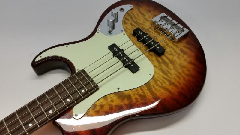 SAMICK Bass Guitar GREG BENNETT DESIGN -FAIARLANE