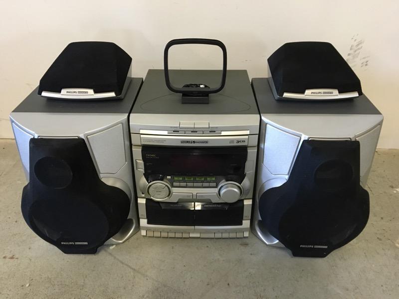 MAGNAVOX CD Player & Recorder FW540C