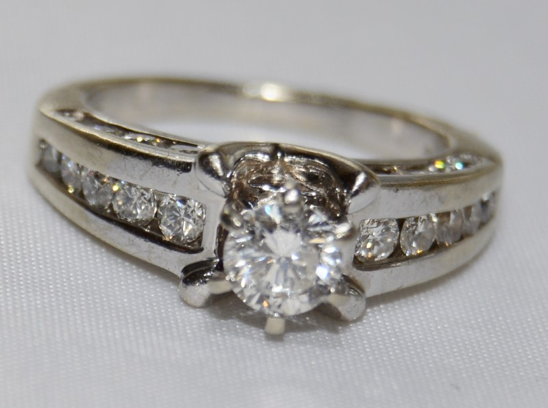 14K White Gold Round Brilliant Cut Engagement Ring w/ Band Accents