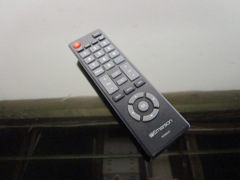 "EMERSON LF501EM6F LED HDMI 50"" FLAT SCREEN TV, LOCAL PICK-UP ONLY"