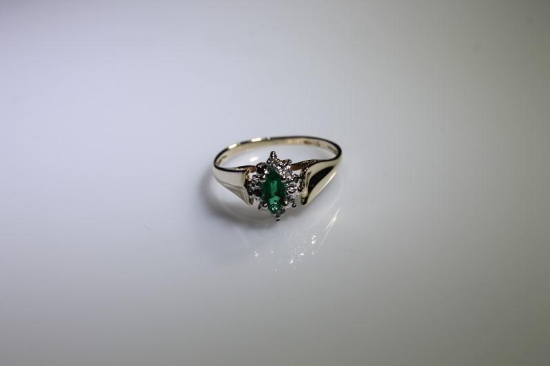 Green Stone Lady's Stone & Diamond Ring 2 Diamonds .006 Carat T.W.