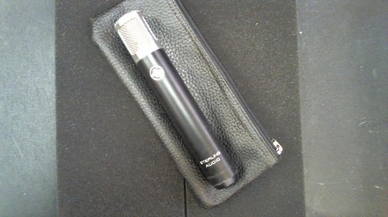 STERLING AUDIO Microphone ST31