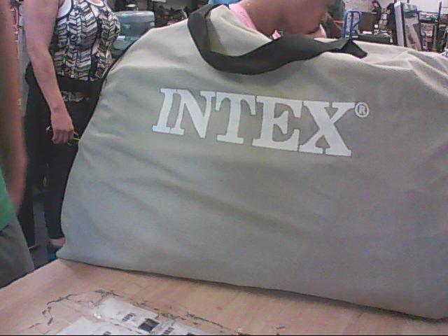 INTEX QUEEN BLOW UP CAMPING MATTRESS