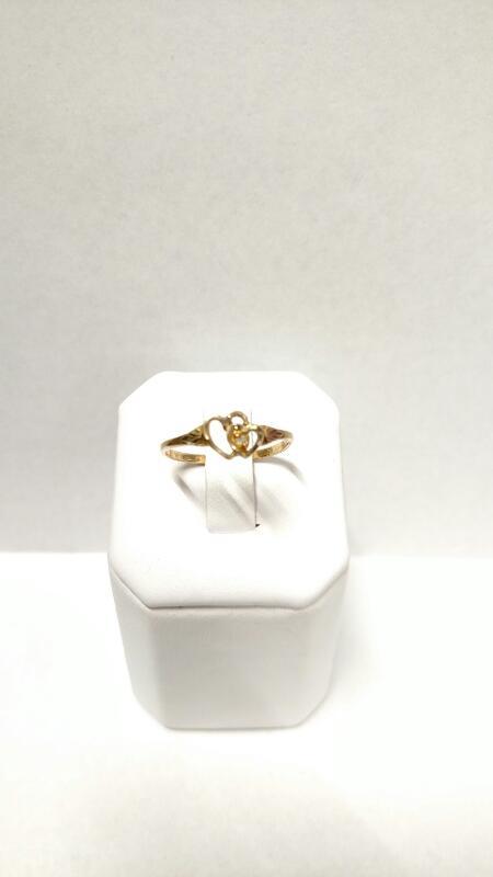 Lady's Diamond Fashion Ring .01 CT. 10K Tri-color Gold 1.24g Size:7