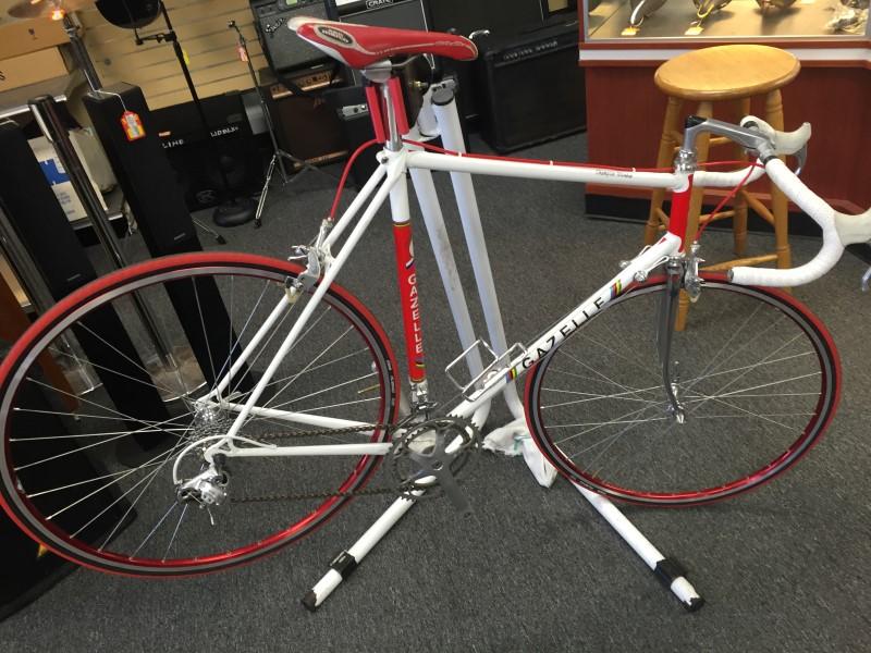 GAZELLE CHAMPION MONDIAL Vintage Road Bike