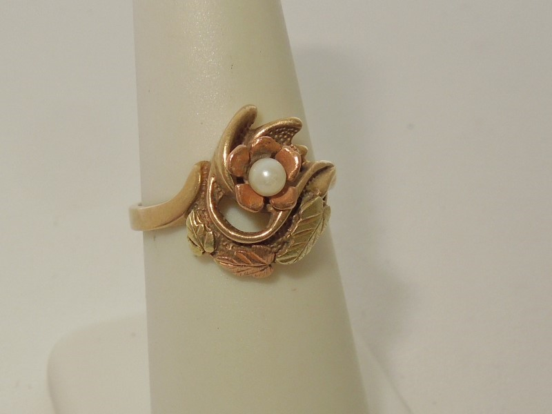 Synthetic Pearl Lady's Stone Ring 10K Tri-color Gold 3.3g Size:7