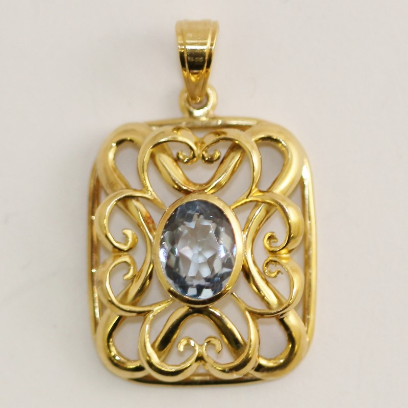 Vintage Inspired 18K Yellow Gold Aquamarine Pendant