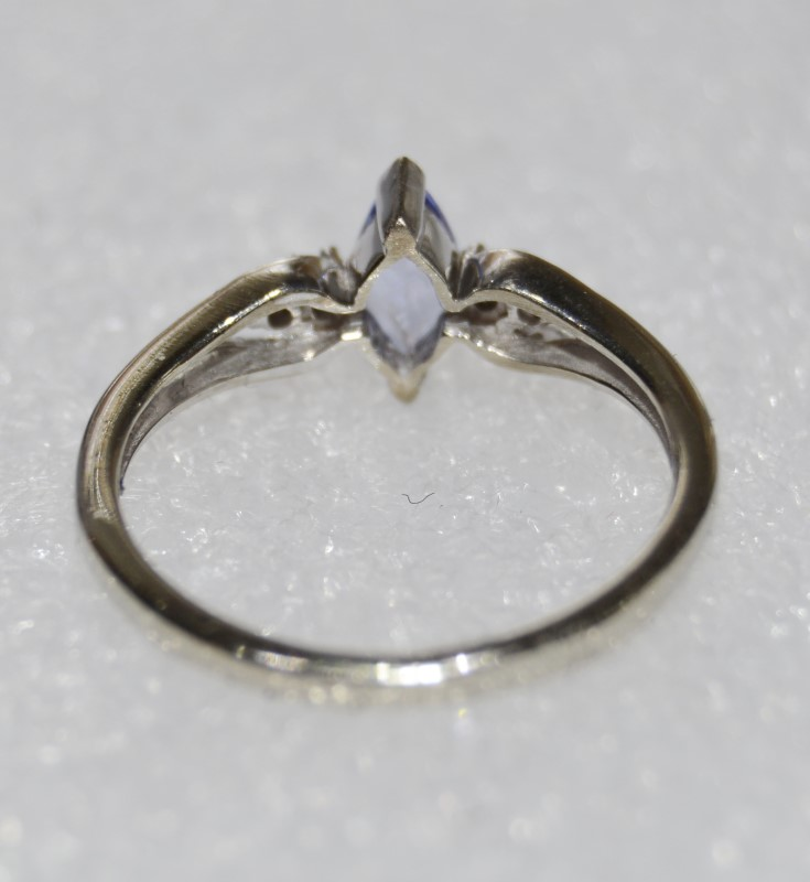 10K White Gold Split Shank Dainty VTip Marquise Tanzanite & Diamond Ring sz 6.75