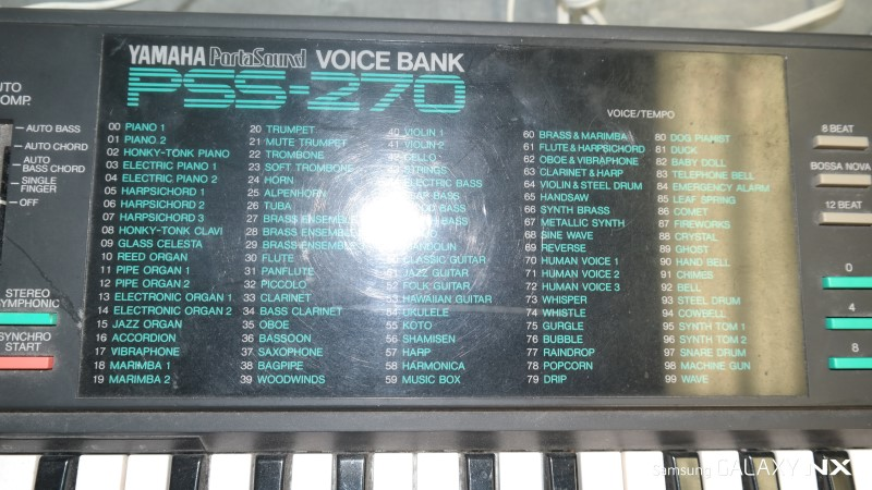 YAMAHA Keyboards/MIDI Equipment PSS-270
