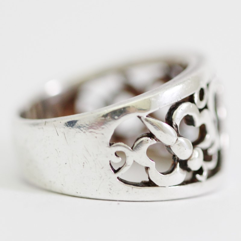 Sterling Silver Lovely Heart-Winged Butterfly Cut Out Ring Size 6.5