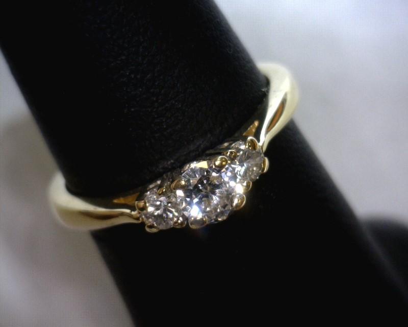 Lady's Gold-Diamond Anniversary Ring 3 Diamonds .32 Carat T.W. 14K Yellow Gold