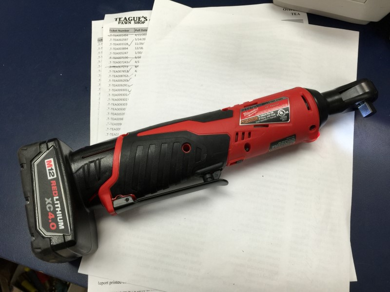 "MILWAUKEE 2457-20 3/8"" CORDLESS M12 RATCHET 12 VOLT W/M12 48-11-2402 BATTERY"