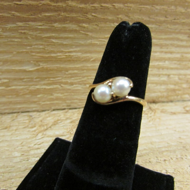 Synthetic Pearl Lady's Stone Ring 10K Yellow Gold 2.3g Size:6
