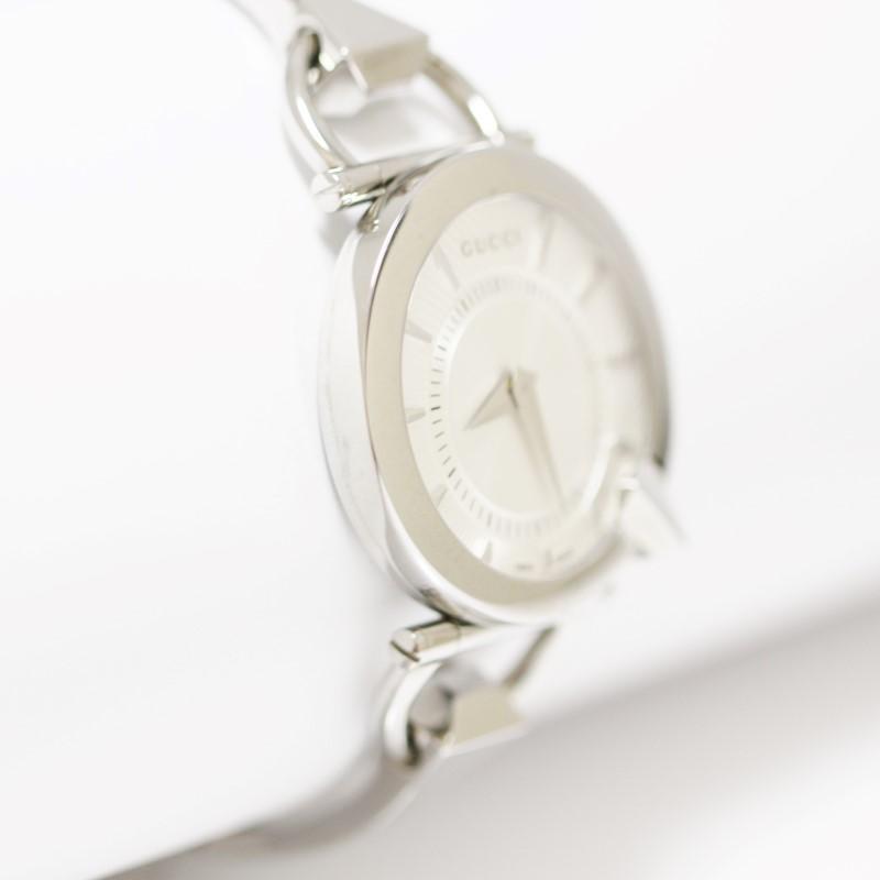 Gucci YA122508 Chiodo 122.5 Bangle Silver Helical Dial Women's Watch