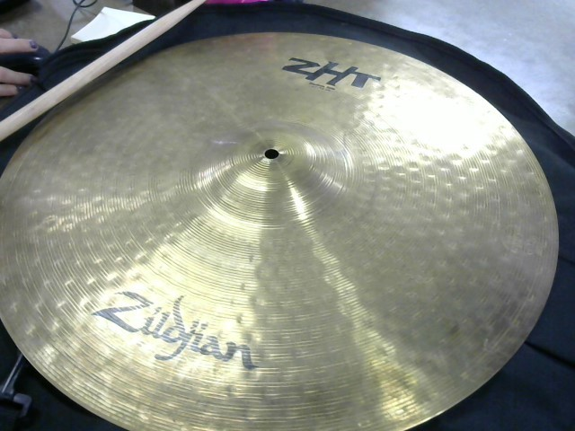"ZILDJIAN Cymbal ZHT MEDIUM RIDE 20""/51 CM"
