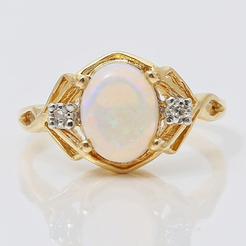14K Yellow Gold Opal and Round Brilliant Diamond Ring Size 6.5