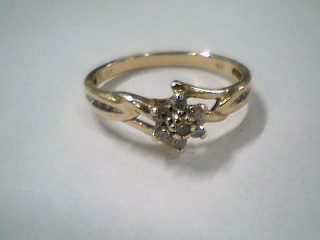 Lady's Diamond Cluster Ring 13 Diamonds .20 Carat T.W. 10K Yellow Gold 1.7g