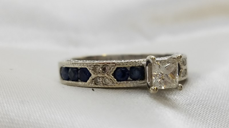 Sapphire Lady's Stone & Diamond Ring 53 Diamonds .92 Carat T.W. 14K White Gold