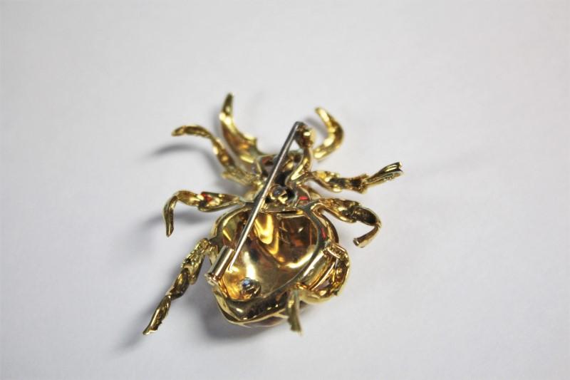 Gold-Diamond Brooch 9 Diamonds .09 Carat T.W. 18K Yellow Gold 18g