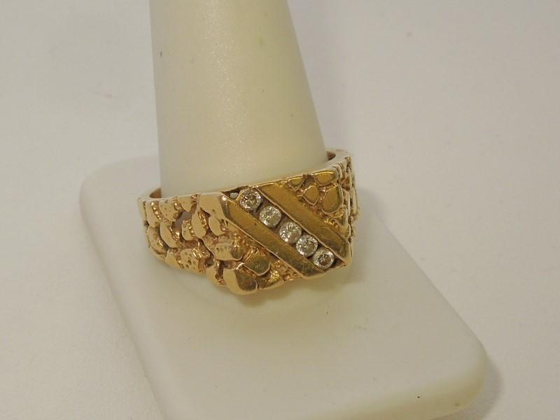 Gent's Diamond Fashion Ring 5 Diamonds .20 Carat T.W. 18K Yellow Gold 9.9g