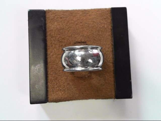 Lady's Silver Ring 925 Silver 2.2dwt