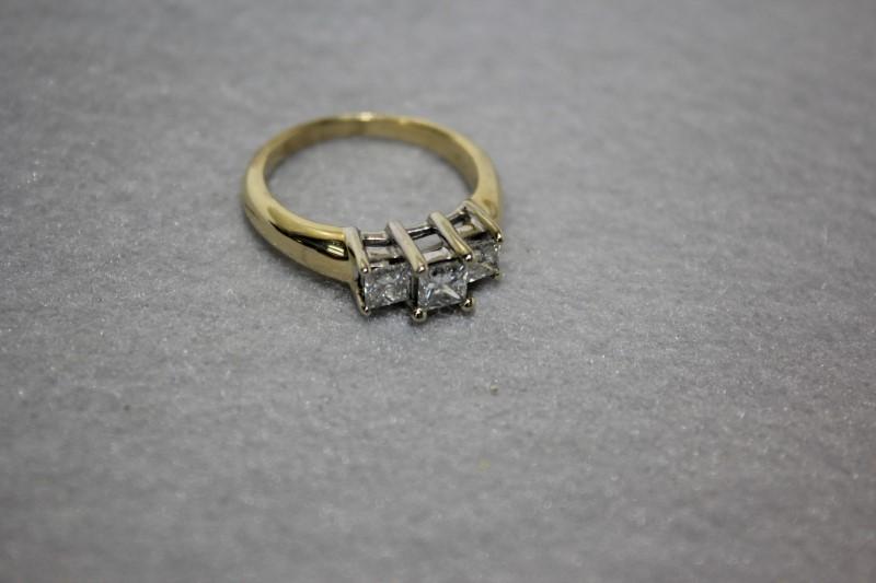 Lady's Diamond Engagement Ring 3 Diamonds .95 Carat T.W. 14K Yellow Gold 5.2g
