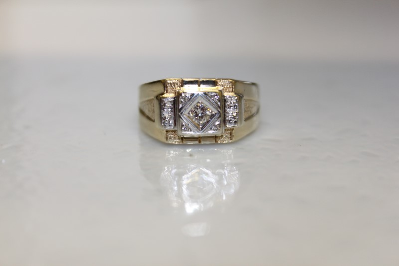 14k YG VINTAGE MEN'S DIAMOND RING APX.10CT SZ. 10 3.8MM