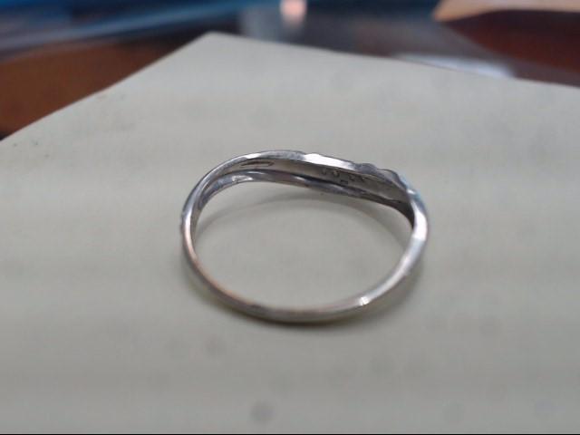 Lady's Gold Ring 14K White Gold 0.9g